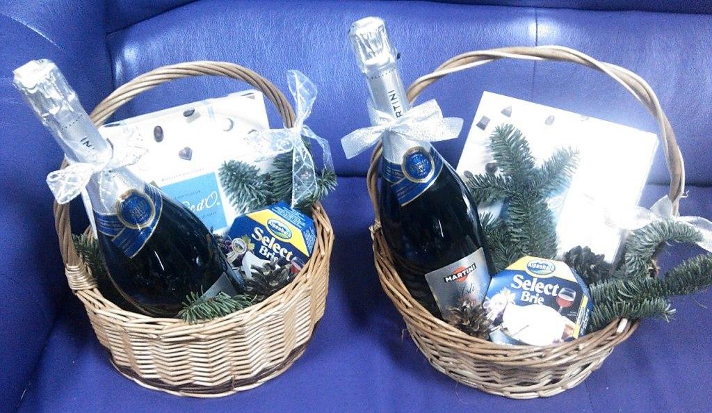 Подарок шампанское в корзине